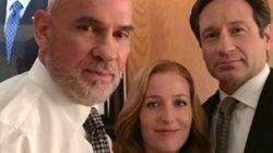 Cette photo de Mulder et Scully est presque