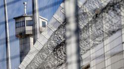 Un surveillant retenu en otage par trois détenus en