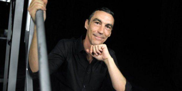Le leader du groupe L'affaire Louis Trio, Hubert Mounier alias Cleet Boris, est