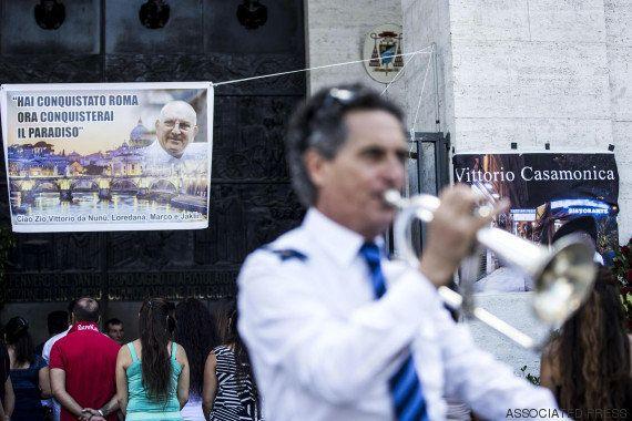 VIDÉOS. Un parrain de la mafia italienne enterré en grandes pompes, les autorités
