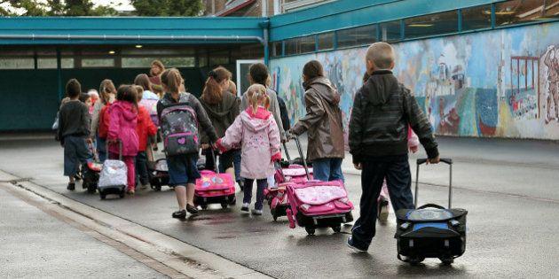 Egalité filles-garçons : le gouvernement devrait abandonner les