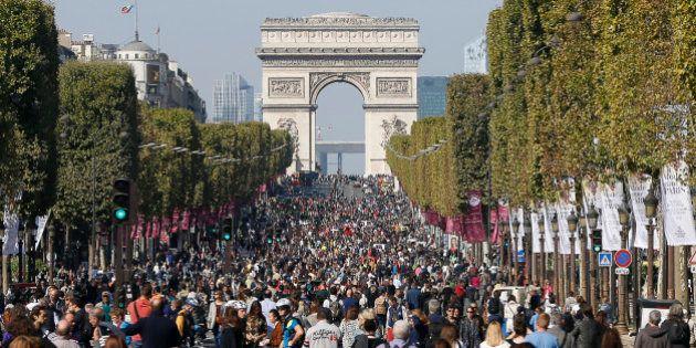 L'opération Champs-Élysées piétons pose la question de comment faire respirer Paris, capitale la plus...