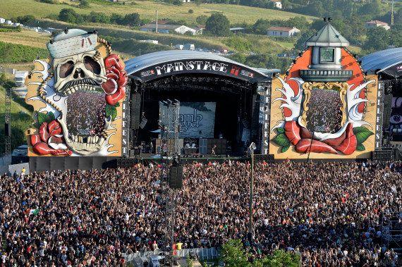 PHOTOS. Hellfest 2015: ces tribus que vous pourriez rencontrer dans le plus gros festival metal de