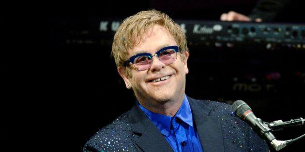 Mariage gay: pour Elton John, Jésus aurait été en faveur d'une union entre deux personnes du même