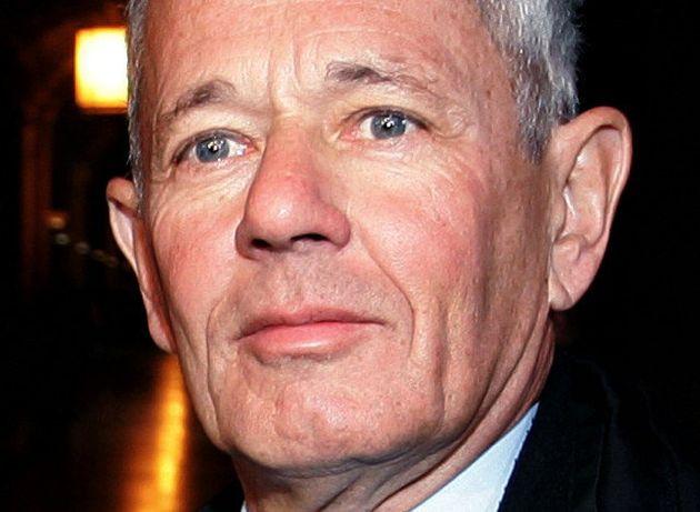 Forcené: l'ex-numéro 2 du GIGN Paul Barril retranché armé à son domicile