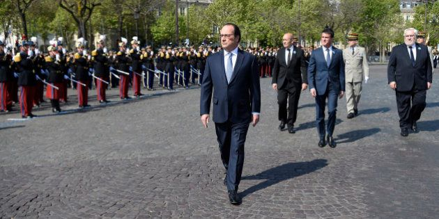 C'est peut-être le dernier 8 mai de François Hollande en tant que président élu (et il fait