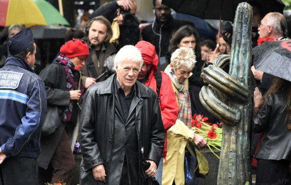 PHOTOS. Jazz, vin rouge, doigt d'honneur... l'enterrement de Siné a eu lieu au cimetière de