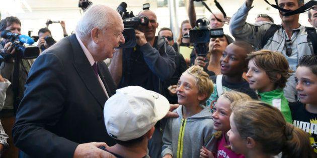 Rythmes scolaires à Marseille: le maire Jean-Claude Gaudin rappelé à ses obligations par la