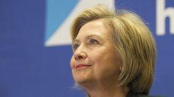 Quand Hillary Clinton s'inquiète pour ses emojis sur son nouveau