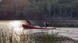 VIDÉO. Leur astuce pour faire du canoë sans pagaies pourrait vous être utile un jour (et c'est très