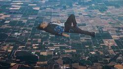Le nouveau clip de Coldplay complètement