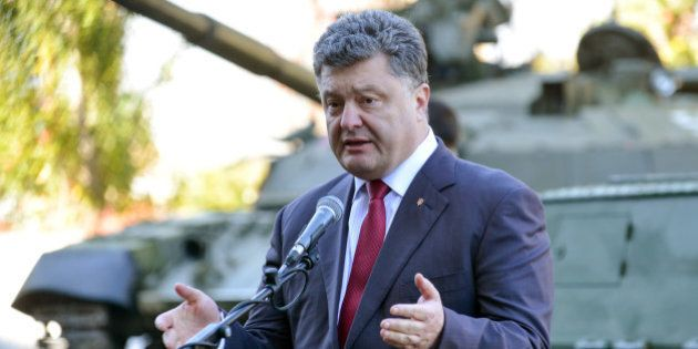 Ukraine: démission du ministre de la Défense, la Russie ordonne le retrait des soldats russes à la