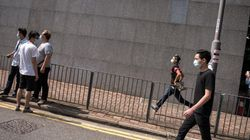 Hong Kong: des manifestants attaqués par des hommes