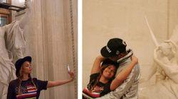 Beyoncé et Jay Z s'amusent avec les statues du