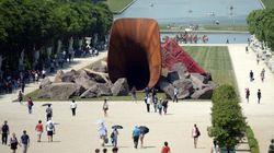 La sculpture polémique d'Anish Kapoor vandalisée à