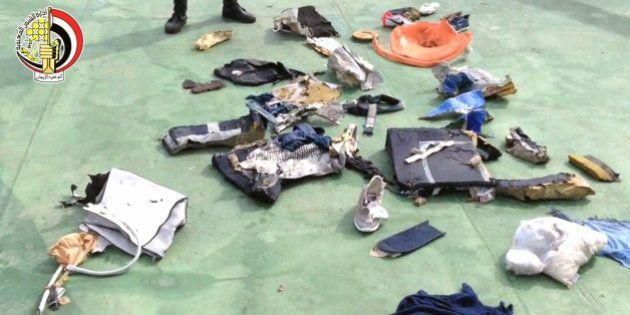 Crash du vol d'EgyptAir MS804: des analyses renforcent la thèse d'une explosion à