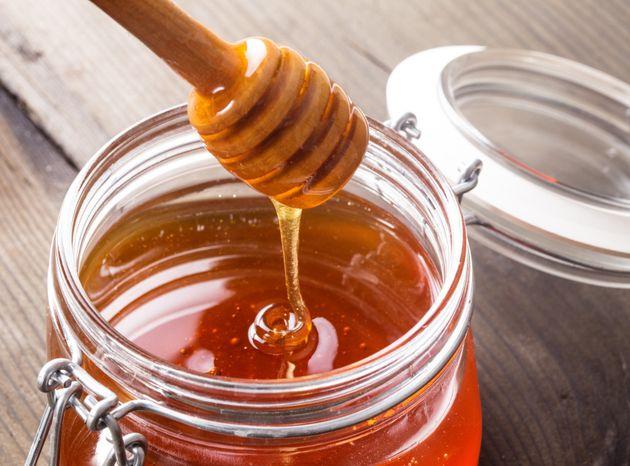 Le miel est-il meilleur pour la santé que le sucre