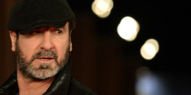 Éric Cantona soupçonne Didier Deschamps de racisme à cause de l'absence de Benzema et Ben Arfa à