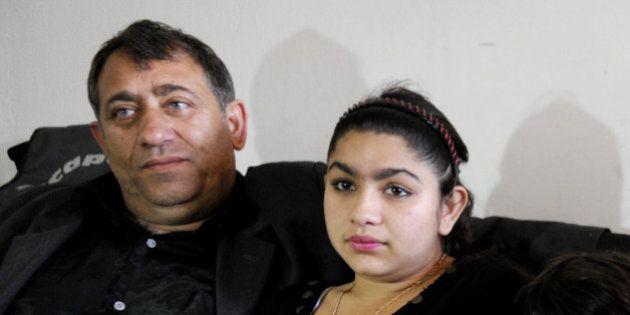 Affaire Leonarda: un an après, ses soutiens ont perdu la trace de la famille