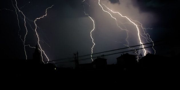 Météo-France place 26 départements en vigilance orange pour orages ce samedi 28