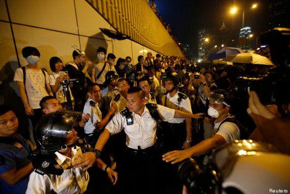Hong Kong: violents affrontements entre les manifestants pro-démocratie et la
