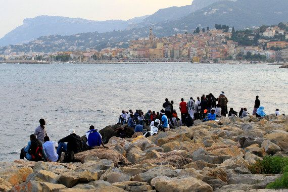 Migrants à Vintimille : Hollande et Renzi tentent de calmer les tensions