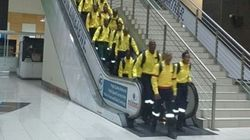 Si ces pompiers prennent l'escalator, c'est pour la bonne