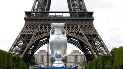 C'est vous qui choisirez la couleur de la Tour Eiffel pendant