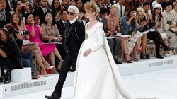 La mariée de Chanel est enceinte jusqu'aux