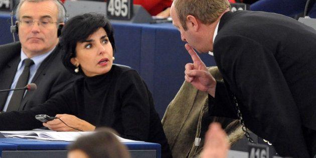 Les téléphones de Rachida Dati coûtaient 10.000 euros par an à l'UMP, selon