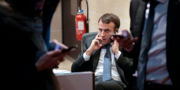 Rachat de Bouygues Telecom par SFR: Emmanuel Macron assure qu'il n'a