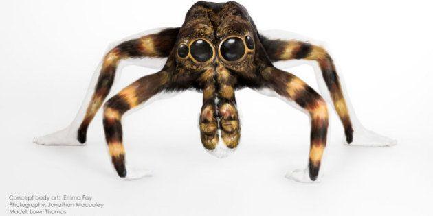 PHOTOS. Bodypainting: Une artiste anglaise transforme des contorsionnistes en