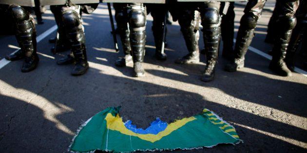 Manifestations durant la Coupe du monde 2014 au Brésil: les Brésiliens auraient-ils entendu Michel Platini
