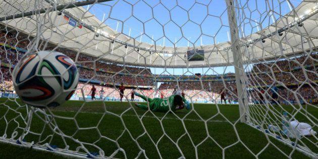 VIDÉOS. Le record de buts dans une Coupe du monde, 171, a été
