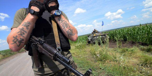VIDÉO. Ukraine: les séparatistes de Donetsk attendent l'armée de pied ferme, des civils quittent la