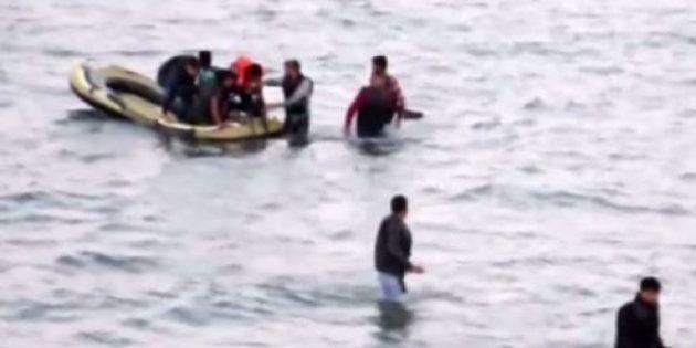 Les photos d'un enfant syrien mort échoué sur la plage turque Bodrum émeuvent l'Europe