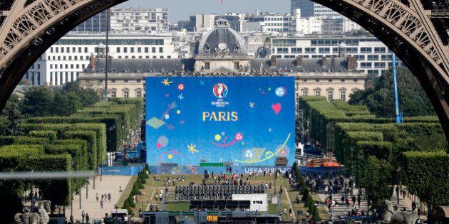 Football Soccer - Euro 2016 - France's Training - Paris - 7/6/16 - Fan zone at the Champs de Mars near...