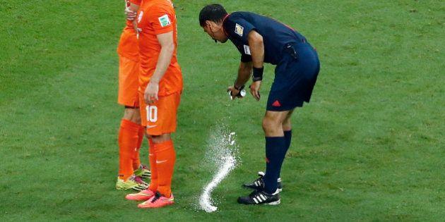 Ligue 1: le spray pour coups francs importé en
