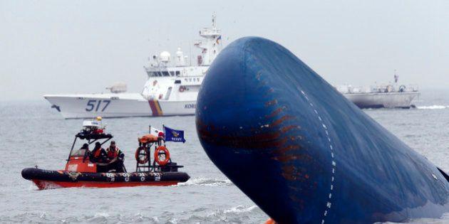 Naufrage d'un ferry en Corée du Sud: le capitaine n'était pas à la barre au moment de