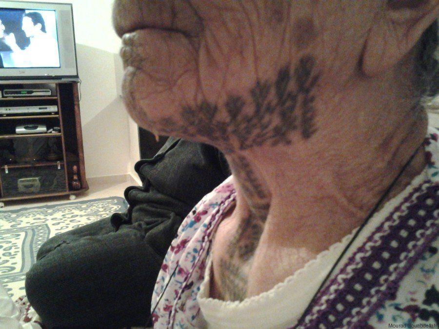 PHOTOS. Aïcha, femme berbère, raconte l'histoire de ses tatouages
