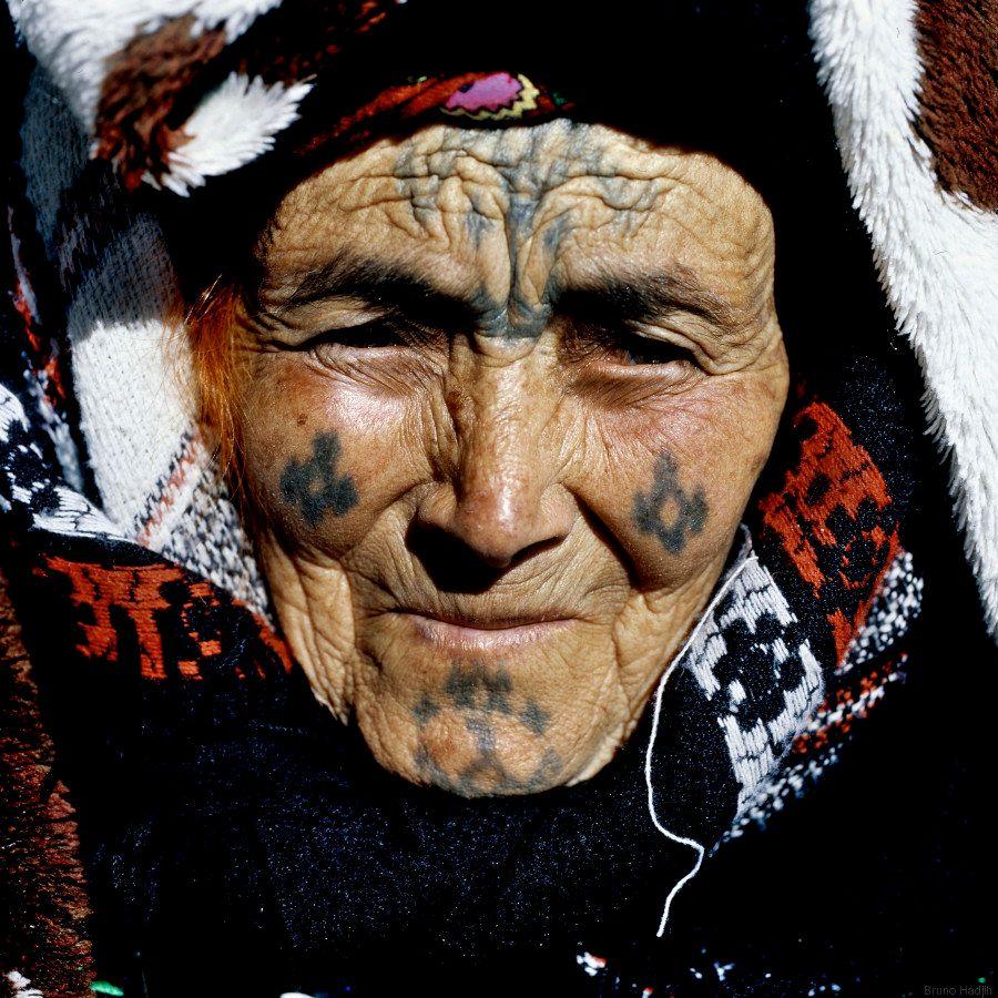 Photos Petit Manuel De Lecture Des Tatouages Berberes Dans Des Regions Algeriennes Le Huffpost
