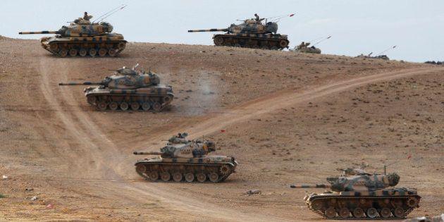 Kobané: l'Etat islamique envoie des renforts et accentue la pression sur les