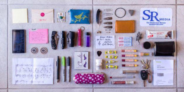 PHOTOS. Une photographe nous révèle le contenu des sacs de