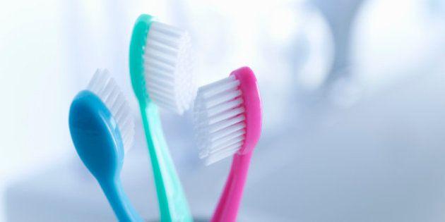 Hygiène Dentaire La Dégoûtante Vérité Au Sujet De Votre Brosse à