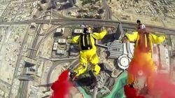 Ils sautent en Base jump de la plus haute tour du