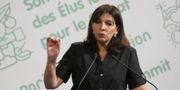 Travail le dimanche à Paris: Anne Hidalgo se dit