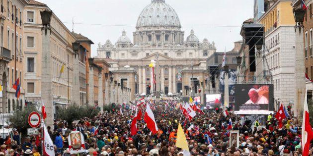 Vatican: le pape François a fait saints Jean XXIII et Jean-Paul
