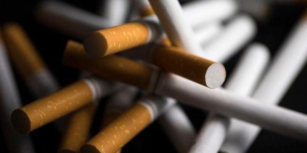 L'Assemblée interdit la vente de tabac dans les bars et