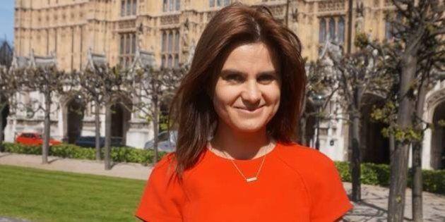 Décès de Jo Cox, députée britannique pro-Europe poignardée et blessée par
