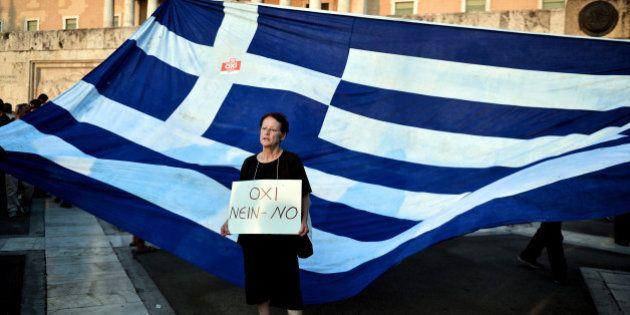Référendum grec: un premier sondage annonce la victoire du
